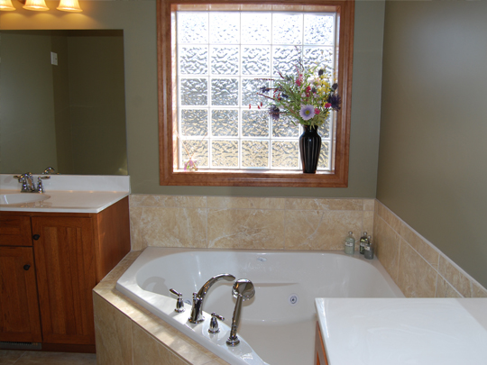 Custom Kitchens & Bath